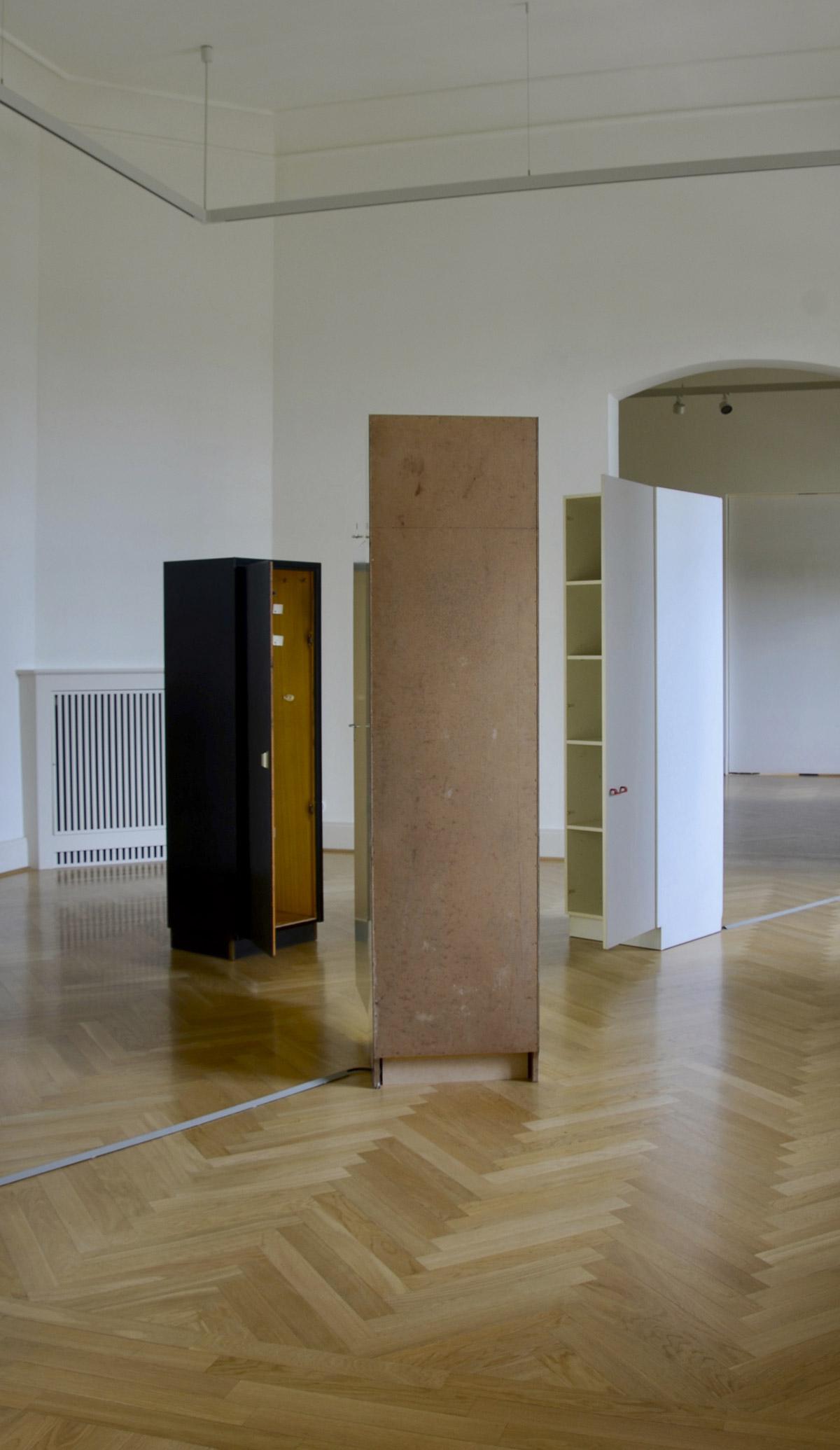 image: 3 Schränke, 2020