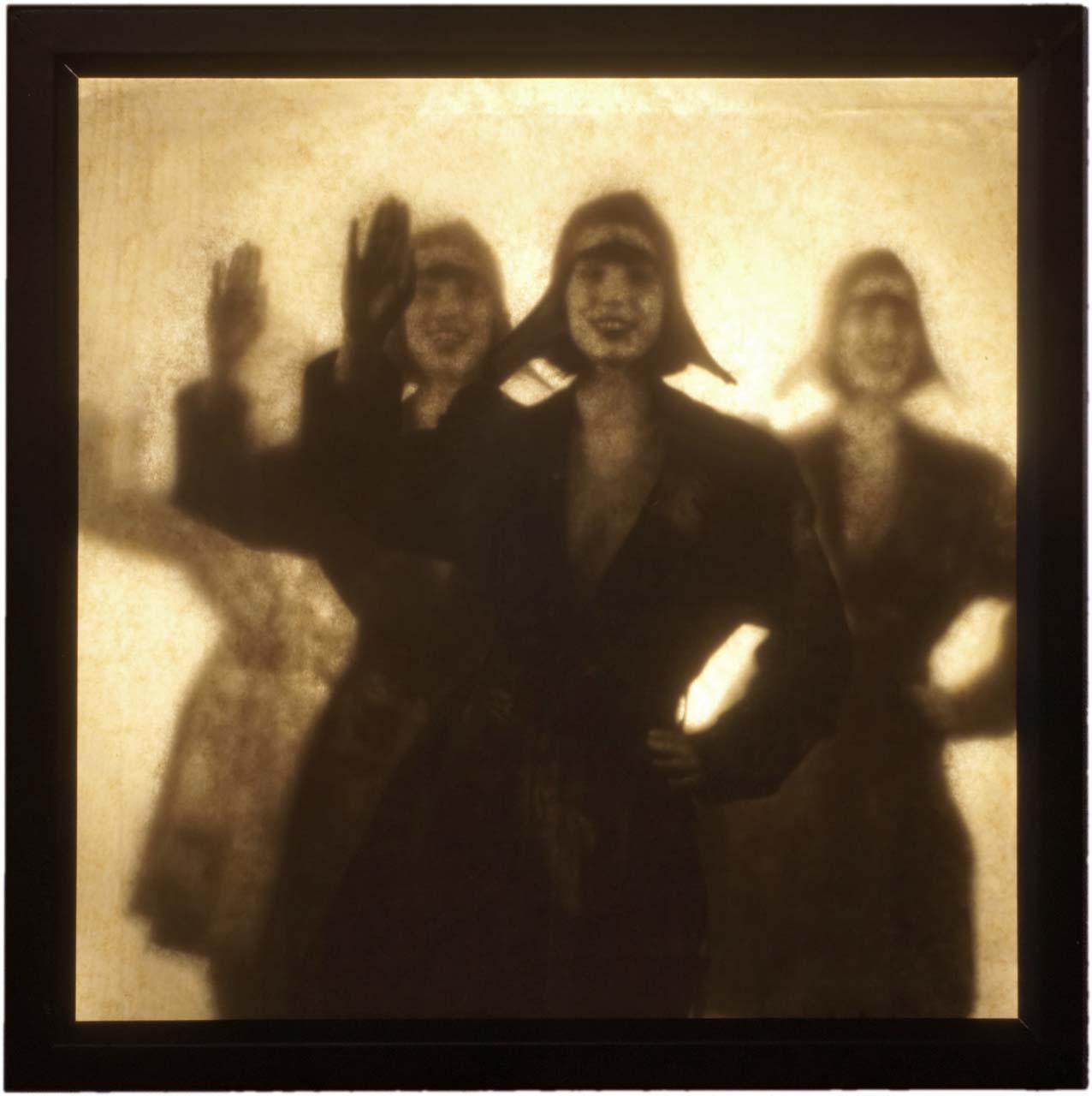 Image: André Werner, Die Brigade der winkenden Mädchen